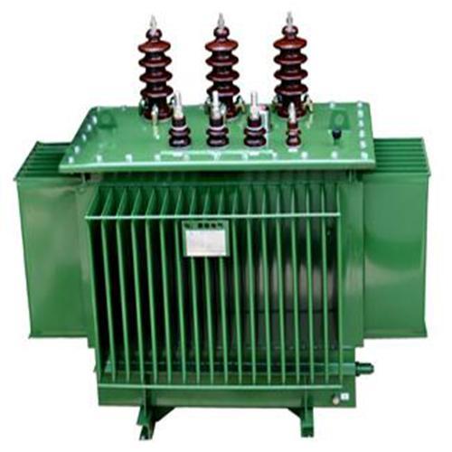 它是变压器的一种结构型式,即变压器的线圈是浸泡在油中的.