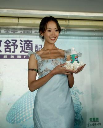 ...电视剧代表作有《蔷薇之恋》、《斗鱼》等.2007年罹患子宫...