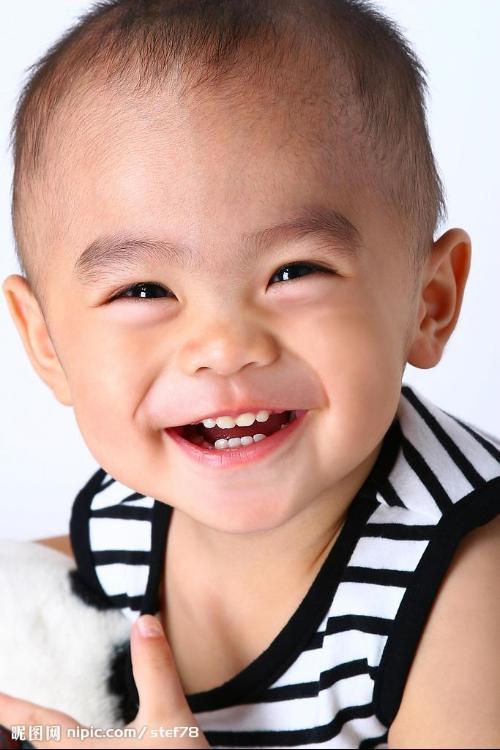 儿童牙齿矫正的最佳年龄是在其生长发育的