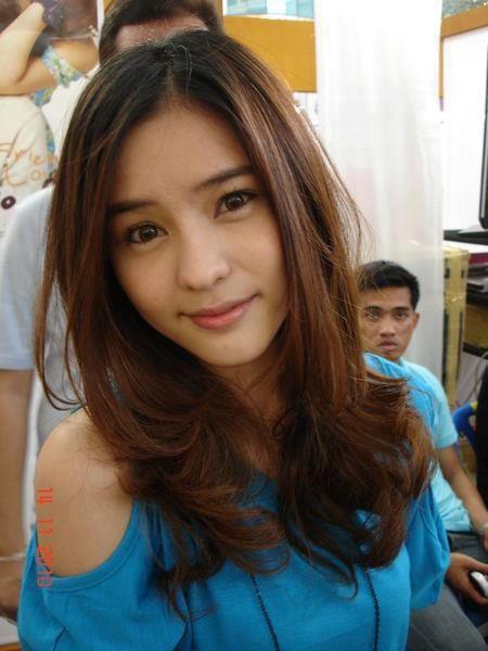 泰国新生代女演员,因其可爱甜美的外形