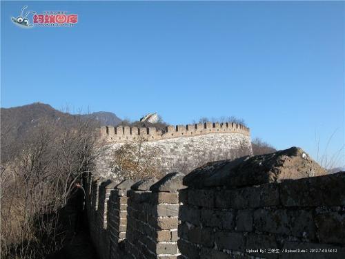 蜿蜒的城墙简笔画