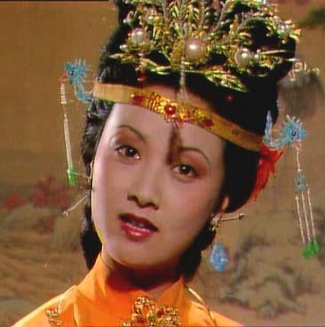 总之王熙凤这个人物,历来融化在中国女性人格中深入骨髓的从属意识