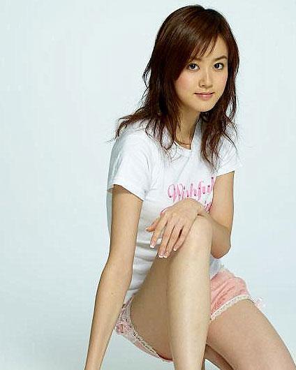 2005年被新艺宝唱片力捧.2006年郭芯其首张同名专辑推出.