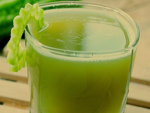 空腹能喝苦瓜汁吗_苦瓜苹果汁的作用-