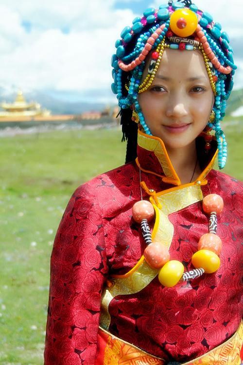 藏族少女   生活在   青藏高原   的藏族,对高海拔、低气压...