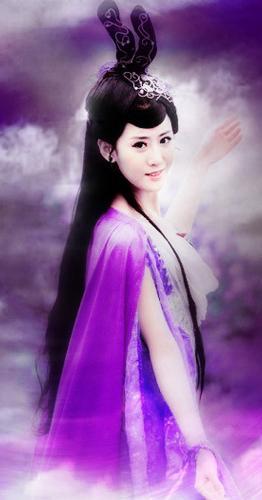 紫色仙女古装手绘