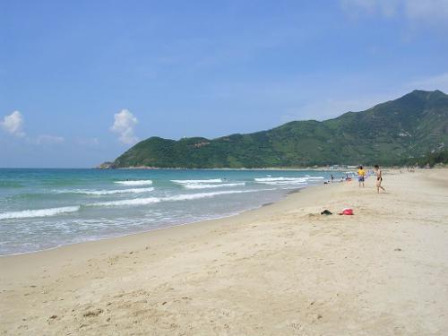 西冲[2]沙滩是全国最优美八大海滩之一,全深圳最大的沙滩--深圳西冲