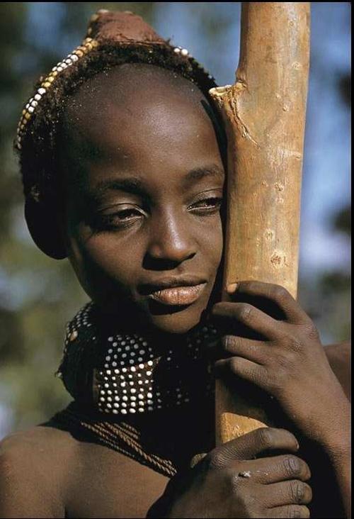 女性割礼是中东和非洲部分