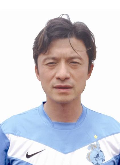 谢晖谢晖,身高1米85,1975年2月14日生,有八分之一英国血统...