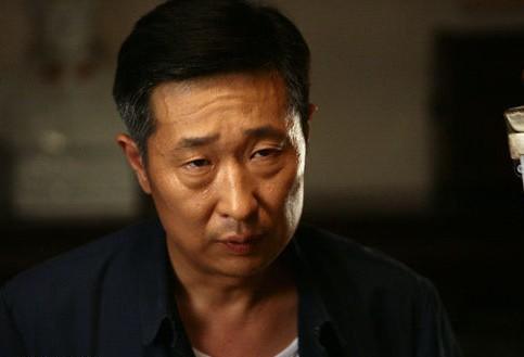 林永健曾几次亮相春晚舞台,他一人分饰三个角色演出的小品《装修》图片