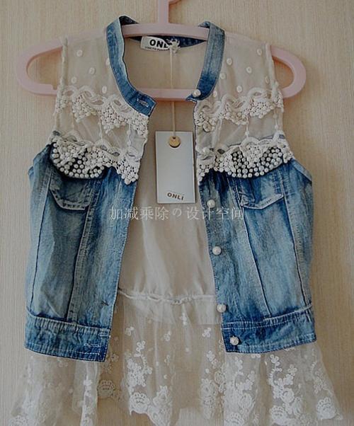这样的牛仔蕾丝小外套要搭配什么衣服好看呢;