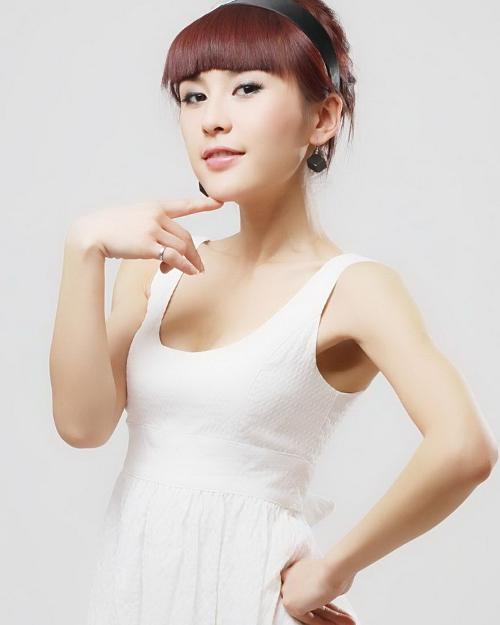 吴琼吴琼,出生日期为10月8日,天秤座,身高163cm,体重44KG...