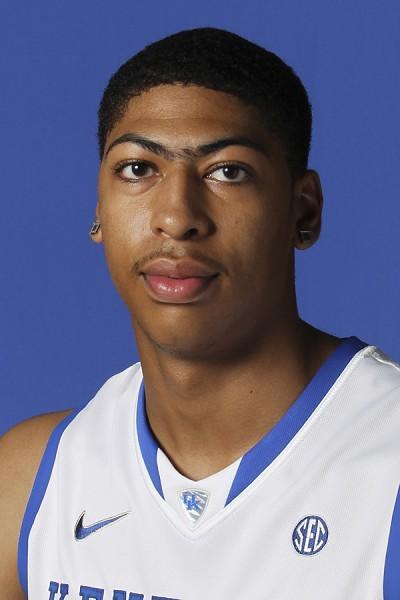 体育资讯_2012,安东尼戴维斯被选为2012体育新闻大学篮球联赛的年度最佳球员.