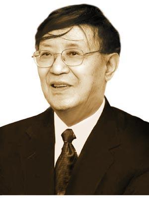李泽厚 概述李泽厚,著名,现为哲学研究所研究员、巴黎国际...