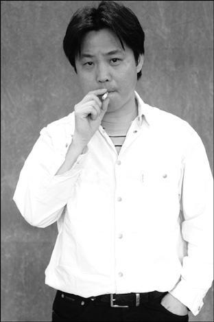 余 华 余 华 1984 年 开始 发表 小说 是 中国 大陆 先锋 ...