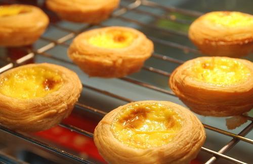 蛋挞的制作方法_提出,早在中世纪,英国人已利用奶品,糖,蛋及不同香料,制作类似蛋挞的