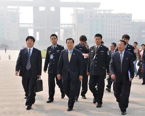 李昌钰一九三八年十一月出生于中国江苏省南通市如皋县.