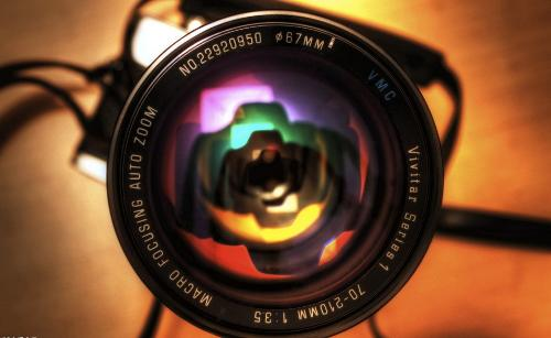 6毫米);按取景方式分为透视取景照相机,双镜头反光照相机,单镜头反光
