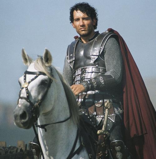 亚瑟王剧照   根据中世纪末马洛礼的《亚瑟王之死》兰斯洛...