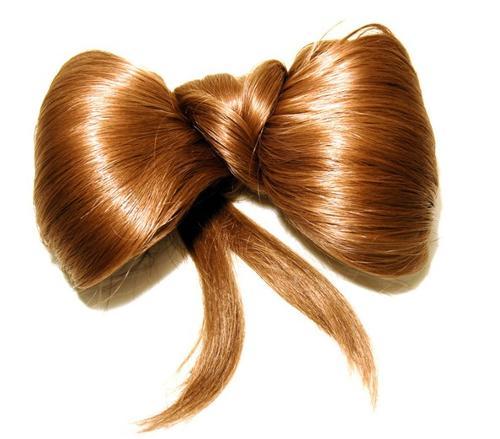 细软蓬松的头发具有弹性,可以抵挡较轻的碰撞,还可以帮助头部汗液的图片