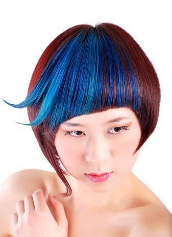 染发图片植物染发是有效避免和远离化学损害的染发方式.它和化学染图片
