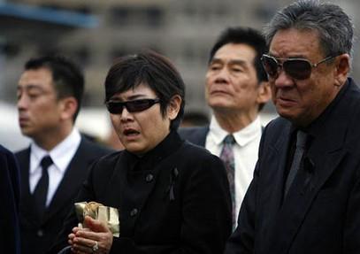竹联帮赵尔文_在2001年的时候由多位大老推举由赵尔文担任代理帮主,来带领竹联帮.