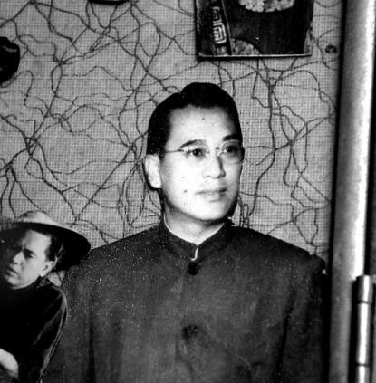 1952年,他与吴楚帆及白燕等创办了著名的「中联企业降头」香港电影电影尸油图片