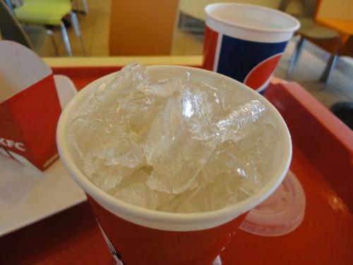 肯德基的冰块脏过马桶水?
