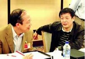 朱蒙(右)   朱蒙,男,汉族,1956年7月出生,江苏盐城人,博士研...