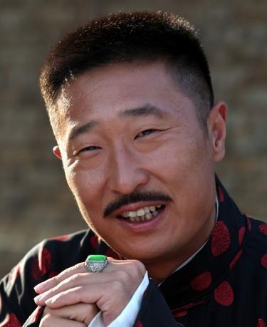 2010年央视春节晚会《美丽的尴尬》(反串)黄宏,林永健,巩汉林,金玉婷图片
