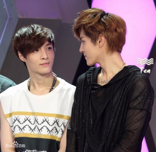 exo繁星(又称kray,凡兴)指韩国sm娱乐公司2012年新