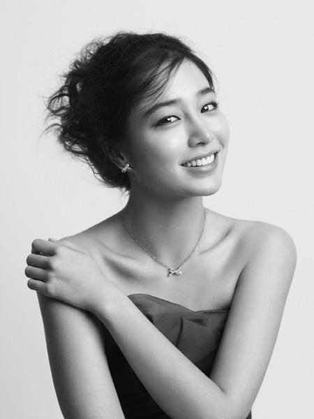 《big》相关   由韩国演员李敏贞和孔侑联袂主演的韩国kbs 2tv新月火
