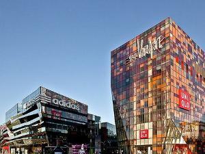 2011年5月1日优衣库郑州国贸360购物广场店盛大开业 2011年6月3日图片