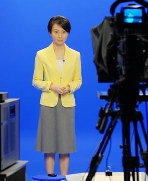 刘芳(凤凰卫视主持人)图片