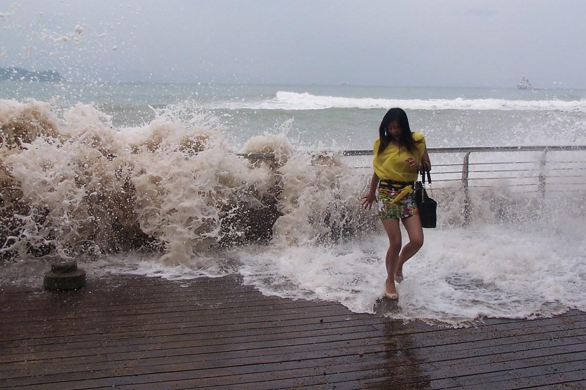 台风天兔图片_