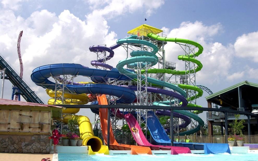 水上乐园游乐是儿童娱乐中的重要一类!