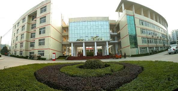 重庆安全技术职业学院教学楼