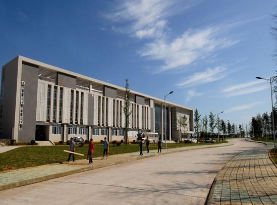 南充职业技术学院是经四川省人民政府批准,国家教育部备案的全日制