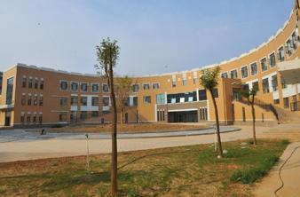 运城学院周杰_山西运城学院实景拍照建筑外观装修设计建筑