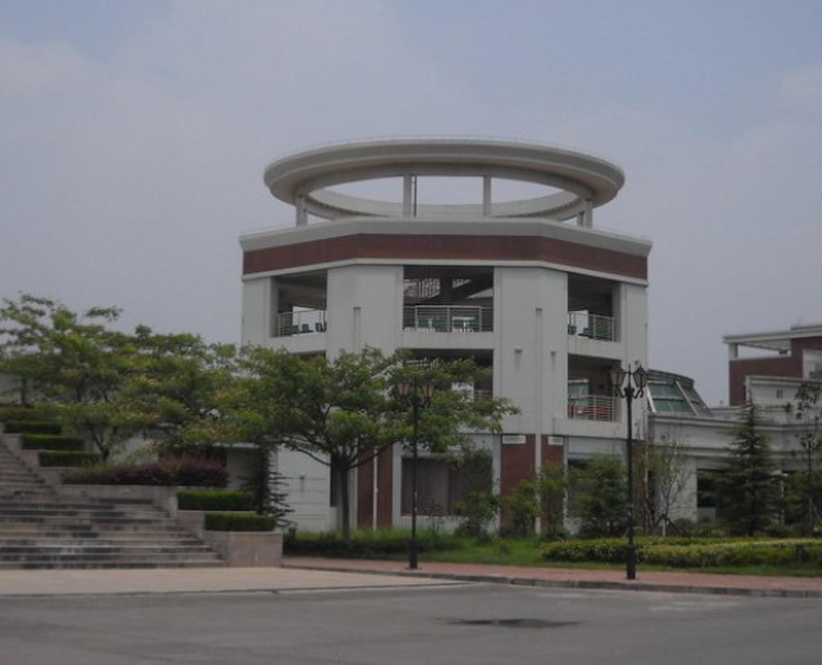 扬州大学广陵学院周边学校有哪些图片