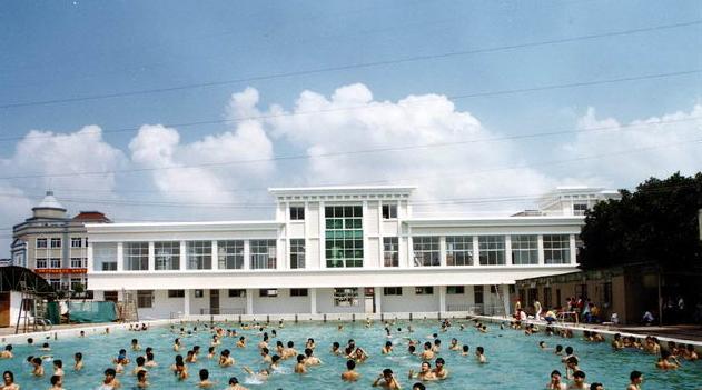 河海大学常州校区游泳池