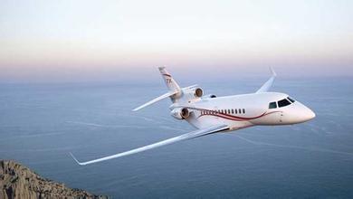 """2010年8月""""中国上海商务与私人飞机展""""是中国大陆第"""