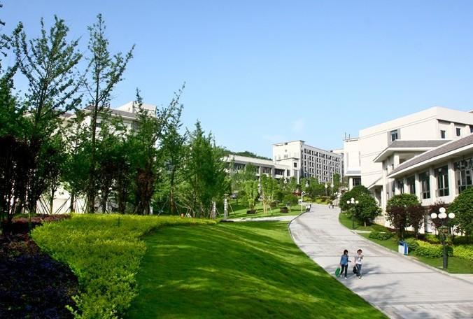 校园?9??y??9??:l?_重庆第二师范学院校园一角