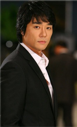 全部版本 历史版本  中文名:李太坤 [1] 出生地:韩国 出生日期:1977年