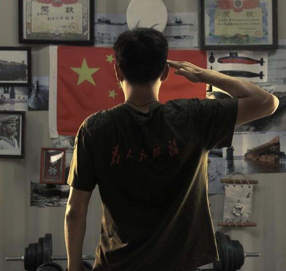 刘烨硬汉发型_硬汉_硬汉头像_美国硬汉演员_Qq 头像硬汉 - www.klieqi.com