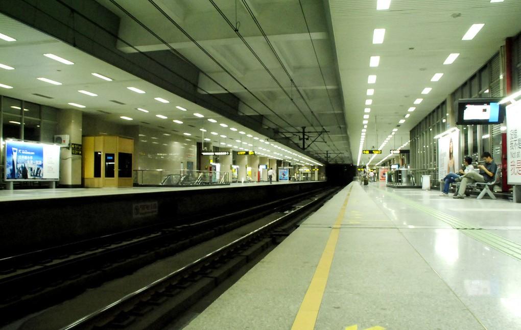 地铁 站台 1020_647