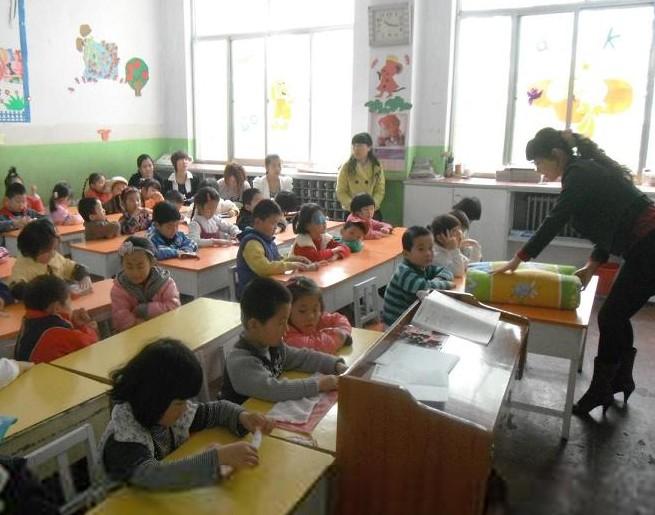 学前儿童科学教育中教师的语言应具有