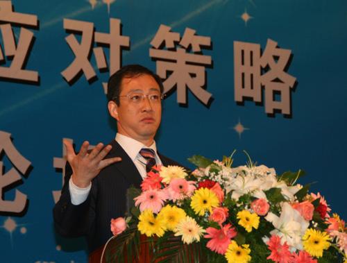 校团委书记,共青团海安县委常委;96年考取南京师范大学教科院教育管理