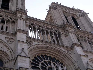[巴黎圣墓园]巴黎圣母院