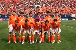 获甲a联赛冠军和足协杯冠军,成为中国首支双冠王球队.